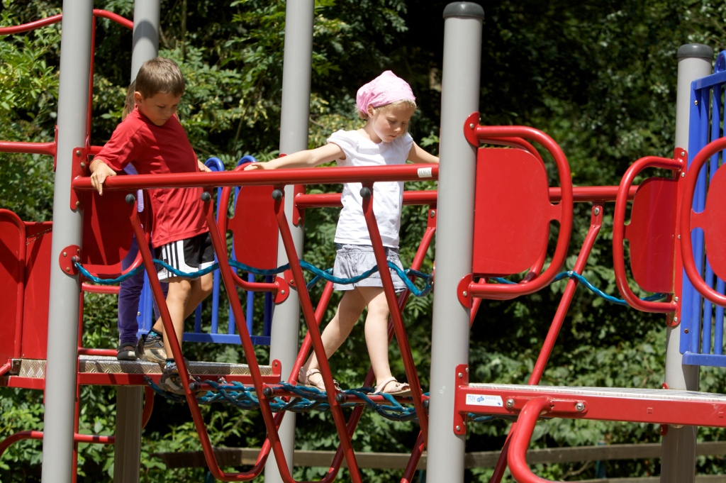 Klettergerüst Zum Stecken : Spielplatz u2013 wo sicherheit zum kinderspiel wird
